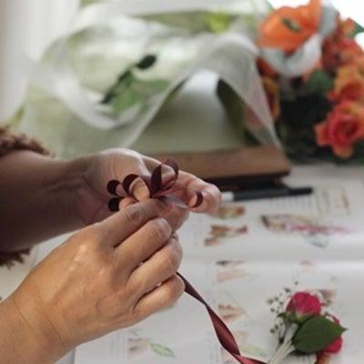 お花のラッピングは賑やかグループレッスンですの記事に添付されている画像
