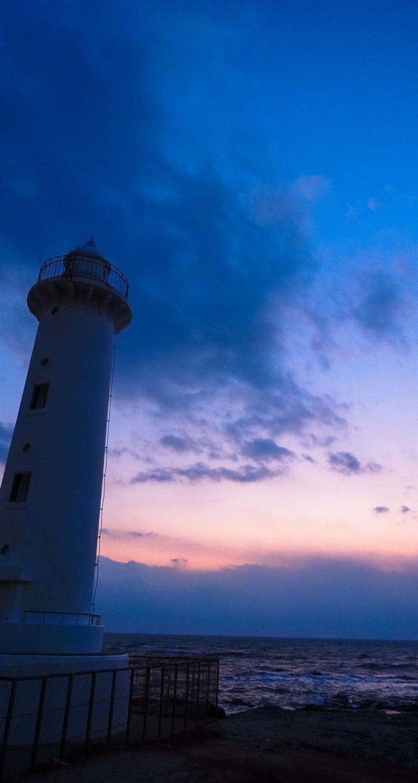 灯台と海のスマホ壁紙 なんでもない写真館
