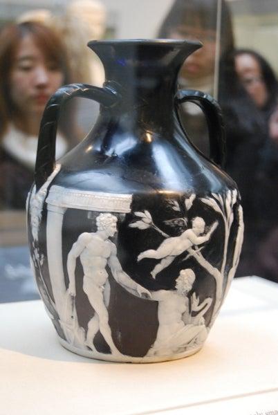 ウェッジウッド・ポートランドの壺 | アンティークの似合う暮らしーDrawer