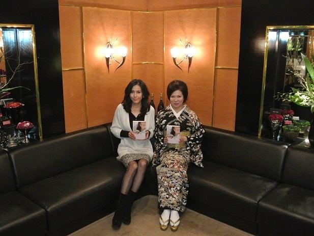 杉本彩さん新刊 ペットと向き合う &由美ママ