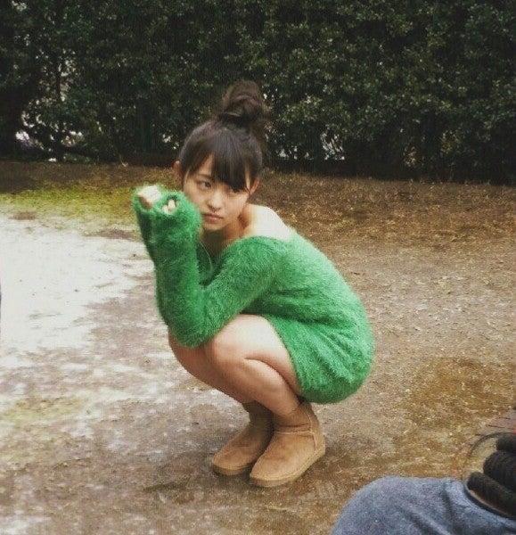 緑の服の伊藤万理華