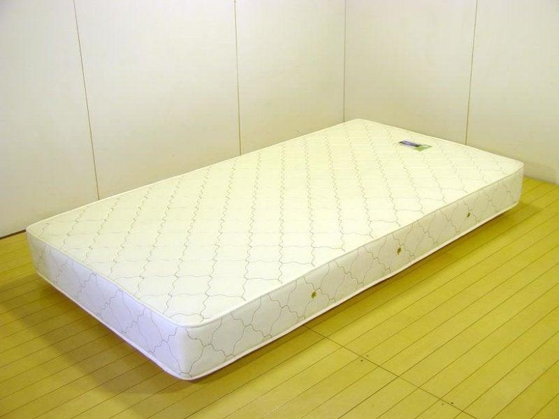 ベッドのマットレスを床に直接