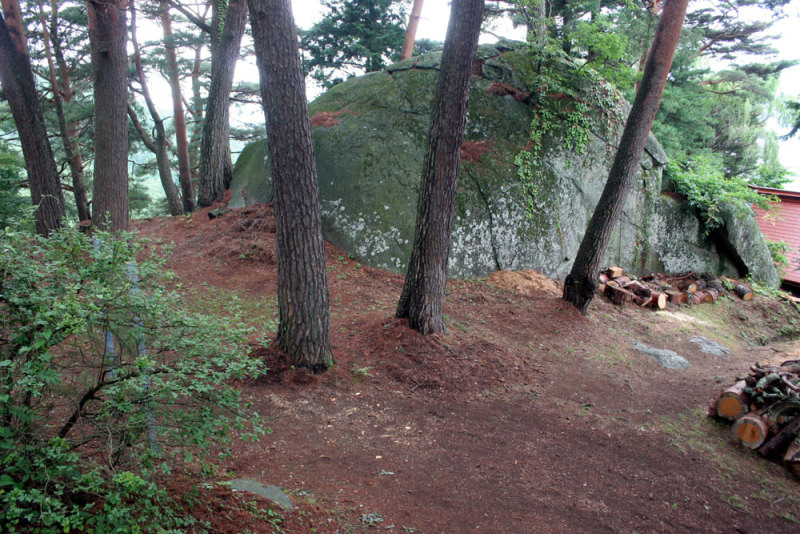 上原城/⑦二郭にある物見岩