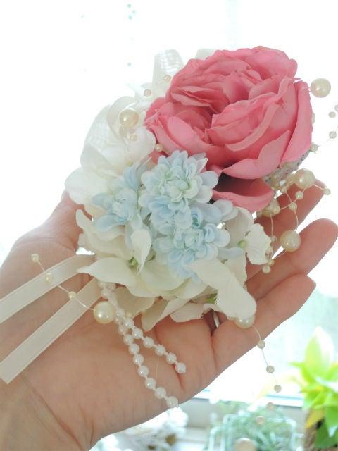 セリアの造花でコサージュを手作り☆100均でも素敵な仕上がり♪