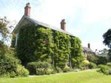 Yondercotte house