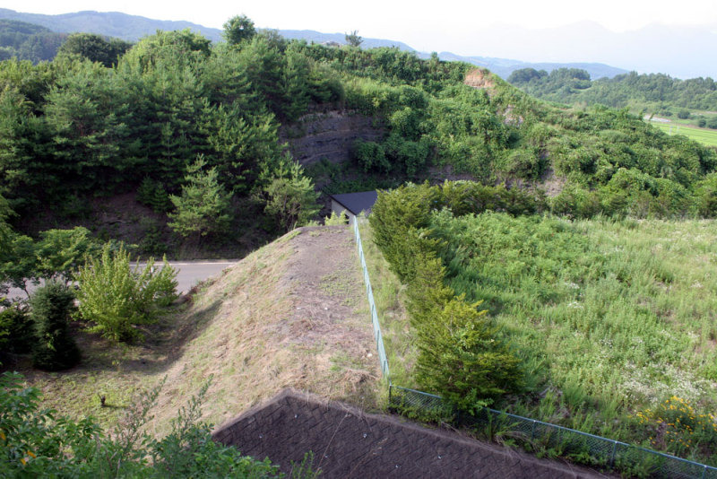 矢嶋城/④郭の上から城内を見下ろす