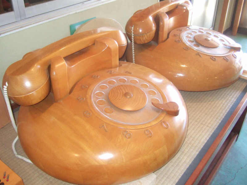 大型木製電話