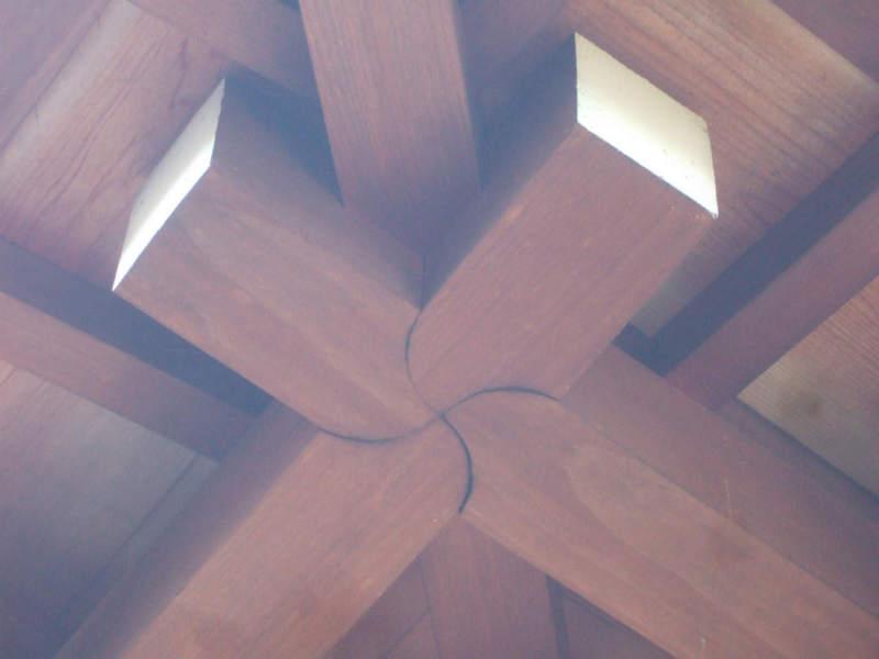庇の木組み