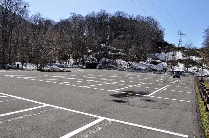 2015年4月の白神山地「十二湖」の駐車場