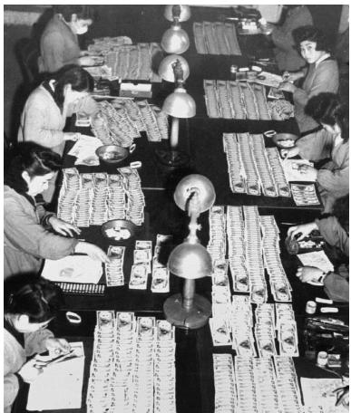 1946年2月16日 日本政府は翌日からの預金封鎖を宣言する。 | ◇渡辺 ...