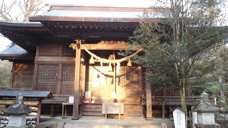 三ヶ所神社の本殿側
