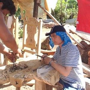 バンタヤン島の家具工場に日本の大工技術を伝えていますの画像
