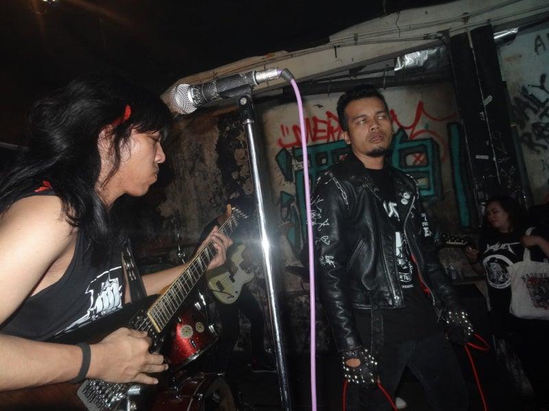 メタルっぽい地元バンド
