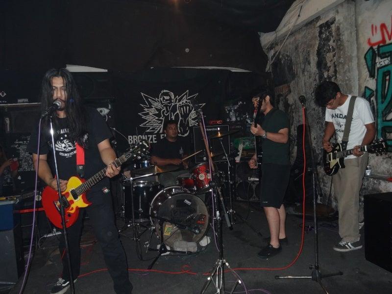 最初のバンド