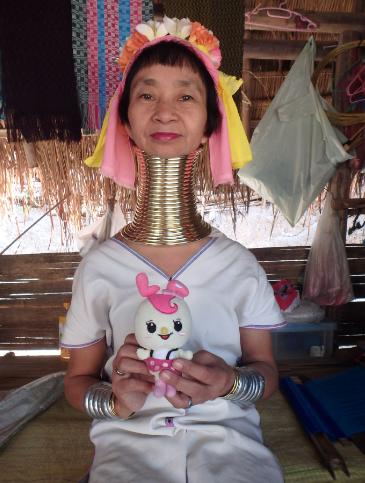世界を旅する治療家 カキザワ首長族の首ってどうなってるでしょう?