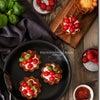 テーブルコーディネートの写真を撮るコツは?トマトのタルトレットをスタイリング撮影の画像