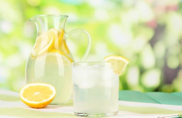 レモン水の効能がすごい!   15年4ヶ月苦しんだアトピーを ...