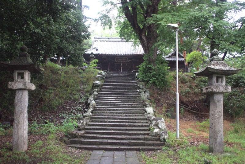 横山城/③主郭にある神社