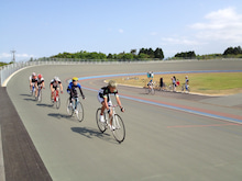 倉吉自転車競技場でトレーニング...