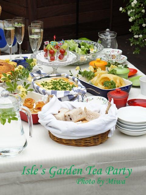 Isle's Garden Tea Party