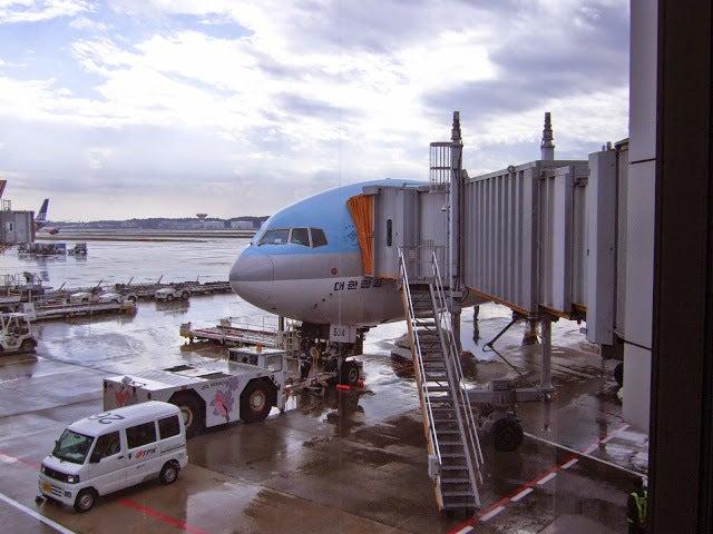 成田空港,飛行機〈著作権フリー無料画像〉Free Stock Photos