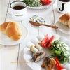 しいたけの肉詰めとかお弁当のおかず満載な朝ごはん。の画像