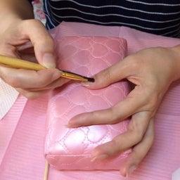 画像 【利き手へのネイルが塗りやすくなる】アームレストの使い方 の記事より 1つ目
