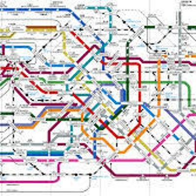 とっさの英語の道案内「バスや電車乗り換え」の記事に添付されている画像