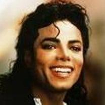 マイケルジャクソンが何故股間を触ったポーズをとるのか?の記事に添付されている画像