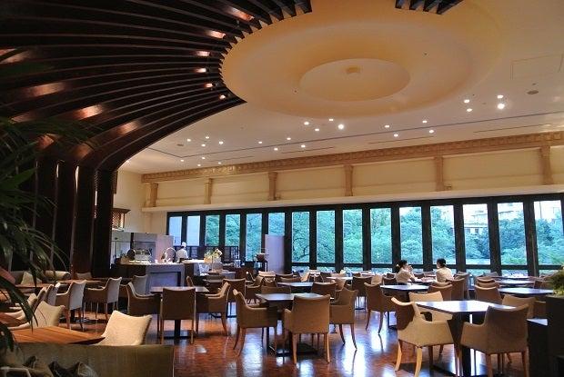 白金台 八芳園 ロビー カフェ
