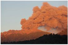 インドネシアでは5つの火山が噴...