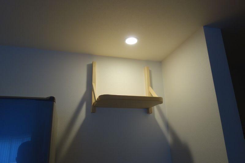 石膏ボードの壁面へ神棚を設置