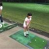 夜のゴルフ練習の画像