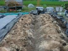 150728たまねぎ苗床土作りと太陽熱消毒処理08