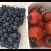 トマトとブルーベリー