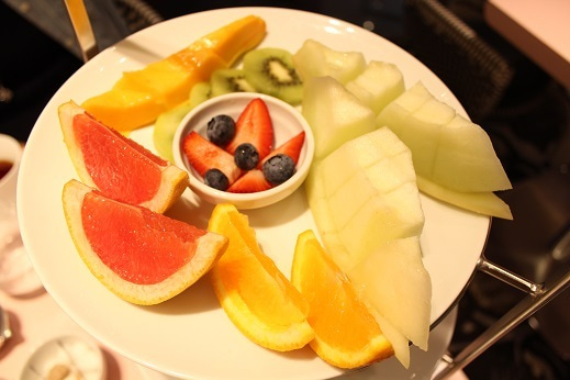 上段のフルーツの盛り合わせ