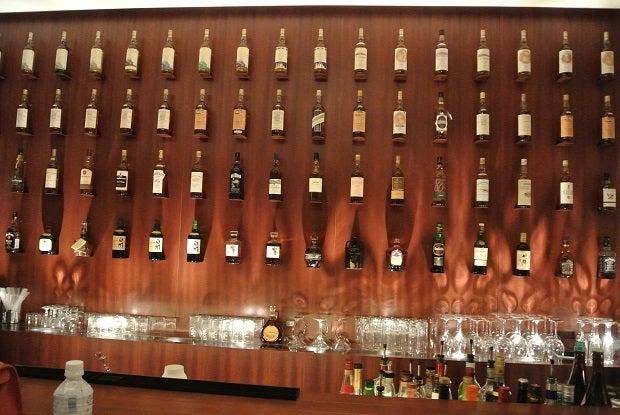 Nakamura Whiskey Saloonカウンター