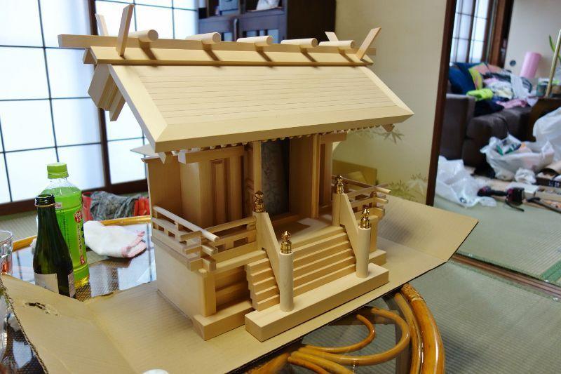 木曽檜製の天神唐戸一社の国産宮形