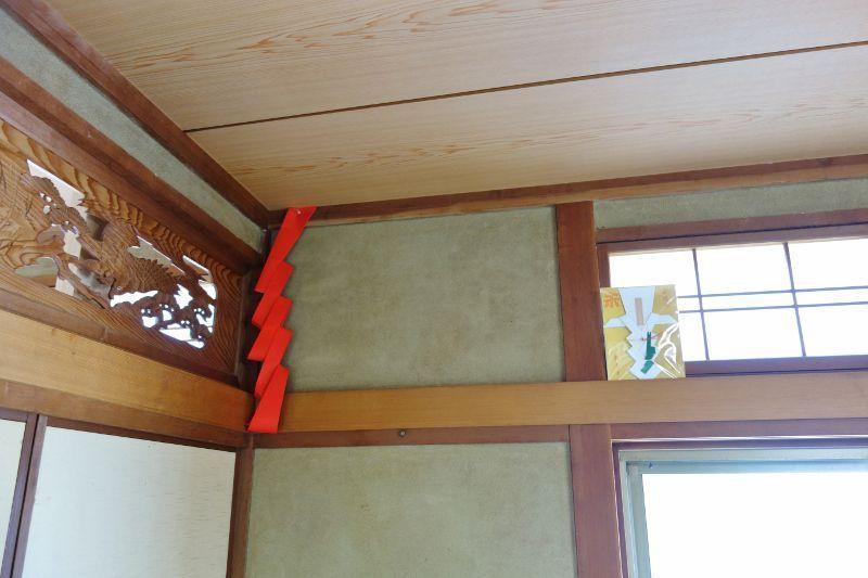 神棚の取り付けスペースは和室の鴨居上
