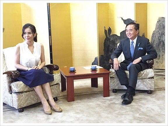 黒岩知事と杉本彩理事長 対談