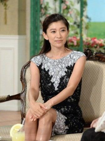レースドレスの篠原涼子