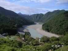 北山川(竹筒集落から望む)