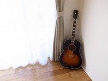 愛用のギター「サザンジャンボ」