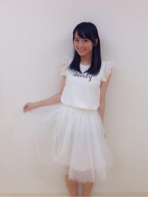 スカートをはいた清井咲希