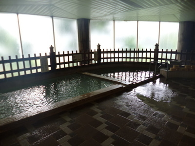 完全源泉掛け流しの酸性泉「川湯...