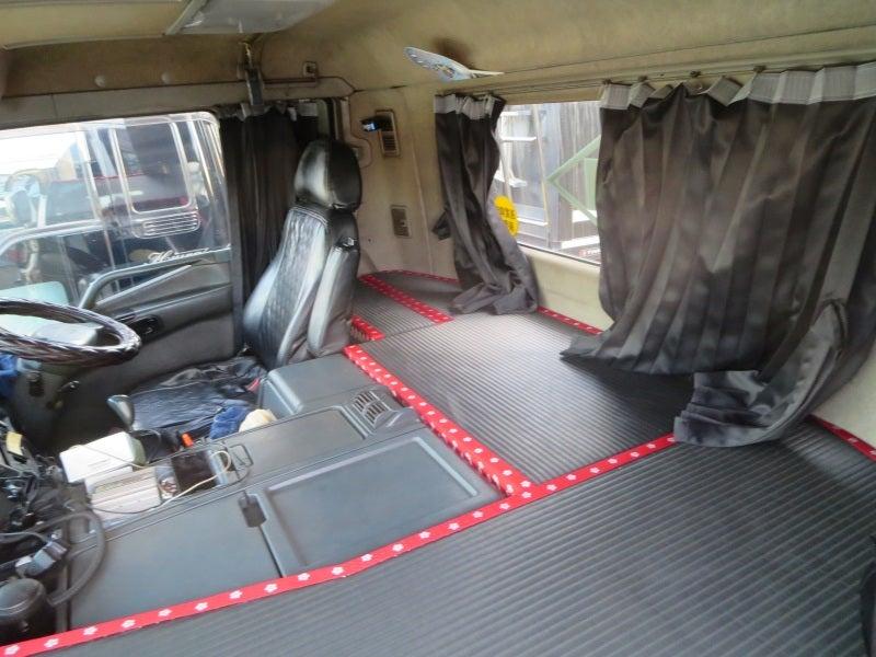 「大型トラック 寝るスペース」の画像検索結果