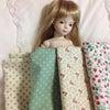 人形のドレス制作中の画像