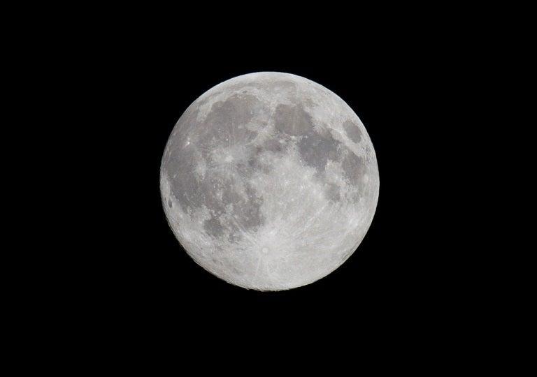 明日(9/28)は満月の記事より