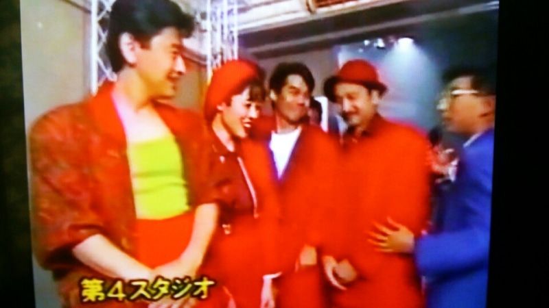 1988年 6月「夜のヒットスタジオ」サザンミニライブ   SORA~空模様は ...