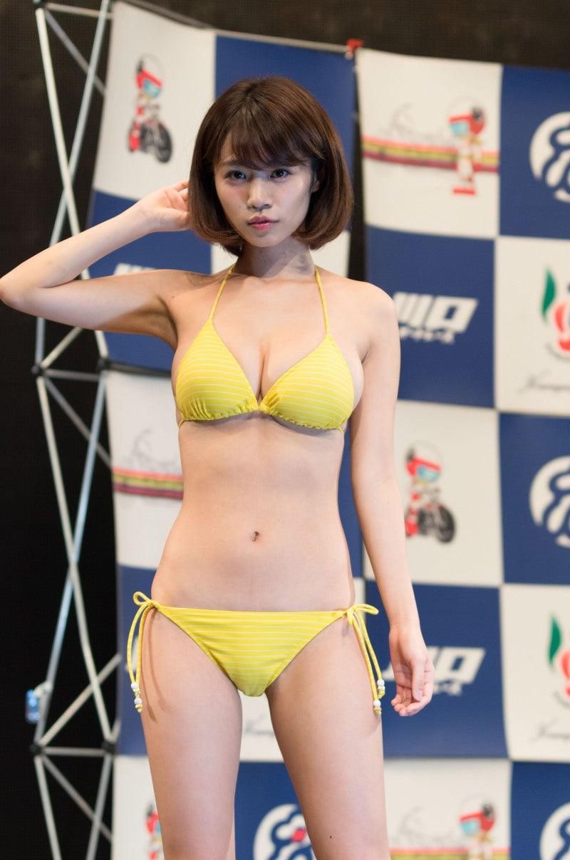菜乃花 菜乃花さんはプールの撮影会で1回撮ったことは有りますが三角ビキニでの横からのアングルはなかなかの迫力でした(゚Ω゚;)